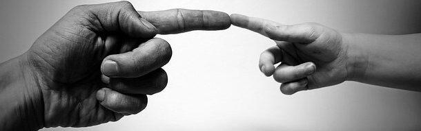 el parmaklarının şişmesi